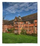 Middleton Hall Courtyard Centre Fleece Blanket