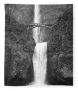 Multnomah Double Falls - Bw Fleece Blanket