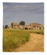 Old Farm - Barn Fleece Blanket