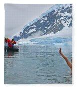 Polar Dip Fleece Blanket