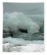 Powerful Winter Surf Fleece Blanket