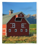 Dn5939-red Barn In The Wallowas Fleece Blanket