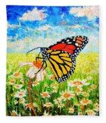 Royal Monarch Butterfly In Daisies Fleece Blanket
