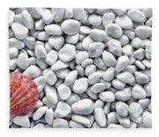 Seashell On White Pebbles Fleece Blanket