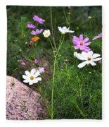 Simple Flowers 11460 Fleece Blanket