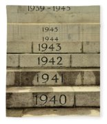 Singapore Cenotaph Monument Yearly Steps For World War Two Fleece Blanket