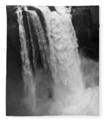 Snoqualmie Falls - Black And White Fleece Blanket