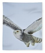 Snowy Owl In Flight Fleece Blanket