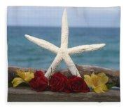 White Finger Starfish And Flowers Fleece Blanket