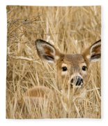 Whitetail In Weeds Fleece Blanket