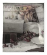 Tea And Gulliver Fleece Blanket