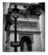 Arc De Triomphe - Black And White Fleece Blanket