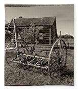 Country Classic Monochrome Fleece Blanket