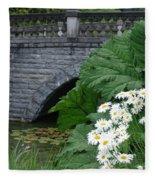 Stone Bridge Daisies Fleece Blanket