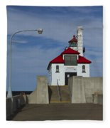 Duluth S Pierhead 24 Fleece Blanket
