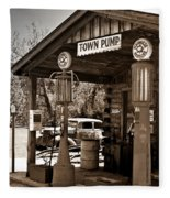 Early Gas Station Fleece Blanket