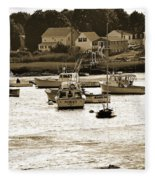Green Harbor At Low Tide Fleece Blanket