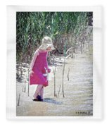 Khloe - Pencil Effect Fleece Blanket