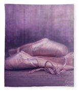Les Chaussures De La Danseue Fleece Blanket