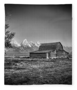 Moulton Barn Bw Fleece Blanket