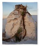 Sand Pedestal With Yucca Fleece Blanket