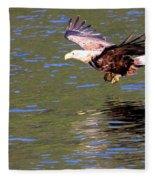 Sea Eagle's Water Landing Fleece Blanket