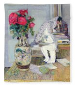 Statuette By Maillol And Red Roses Fleece Blanket