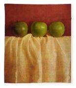 Trois Pommes Fleece Blanket