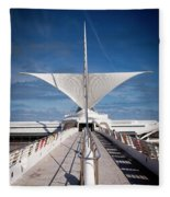 1273 Milwaukee Museum Of Art Fleece Blanket
