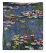 Water Lilies, 1916 Fleece Blanket