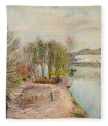 Moret-sur-loing Fleece Blanket