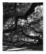 Angel Oak Limbs Bw Fleece Blanket