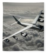 B-47e Stratojet With Contrails Fleece Blanket