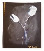 B And W Tulips Fleece Blanket