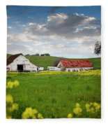 Barn Paso Robles, Ca Fleece Blanket
