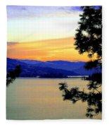 Beautiful Oyama Isthmus Fleece Blanket