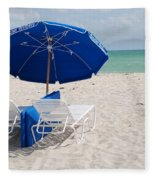 Blue Paradise Umbrella Fleece Blanket