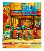 Cafe Coin Des Artistes Fleece Blanket