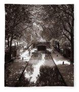 Canal Saint Martin 2 Fleece Blanket