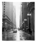 Chicago In The Rain B-w Fleece Blanket