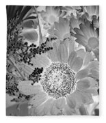 Daisy Bouquet In Black And White Fleece Blanket