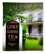 Dine Le Bistro Tea Fleece Blanket