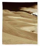 Dunes And Peak Fleece Blanket