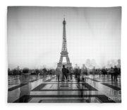 Esplanade Du Trocadero Fleece Blanket
