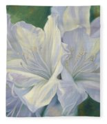 Fleurs Blanches Fleece Blanket