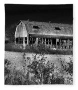 Hainesville Barn B/w Fleece Blanket
