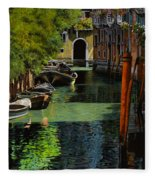 il palo rosso a Venezia Fleece Blanket