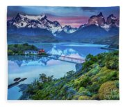 Lago Pehoe - March Fleece Blanket