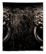 Lion Head Handle Fleece Blanket