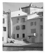 Maisons Sur Le Bord De La Mer A Saint - Tropez Fleece Blanket